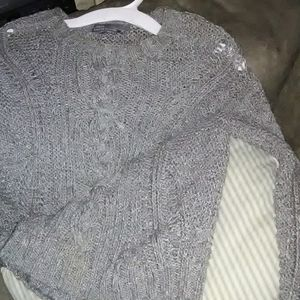 Sweaters - Vince XS hand knitted grey sweater
